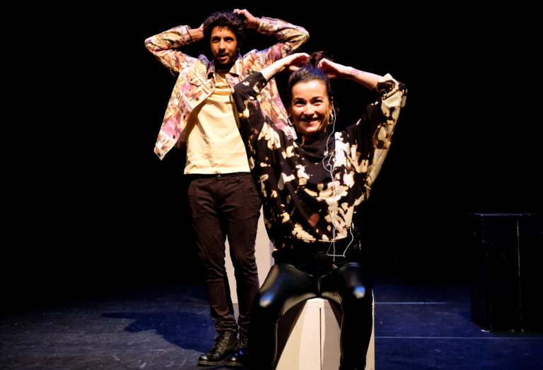 Tarikh Janssen en Birgit Schuurman in scene Waarom is het stil in de stad?